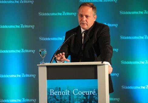 Benoit Coeure speaks in Frankfurt.