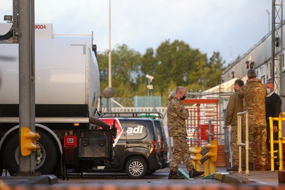 U.K. Drivers Face Higher Petrol Prices as Troops Deployed