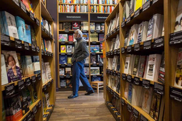 Amazon Will Open A Bookstore In Manhattan This Year