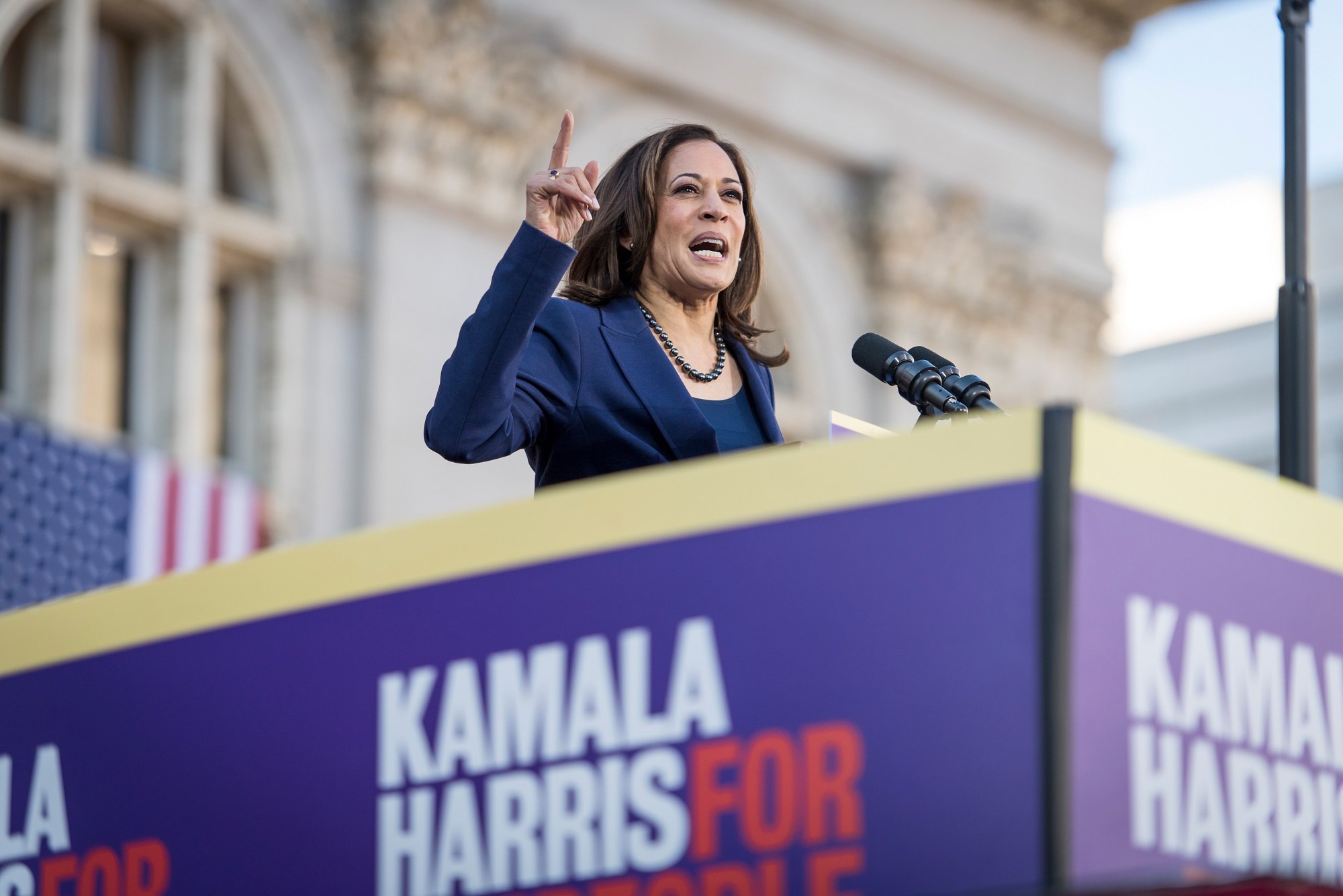 Kamala Harris S Presidential Campaign Owes 1 1 Million To Vendors Bloomberg