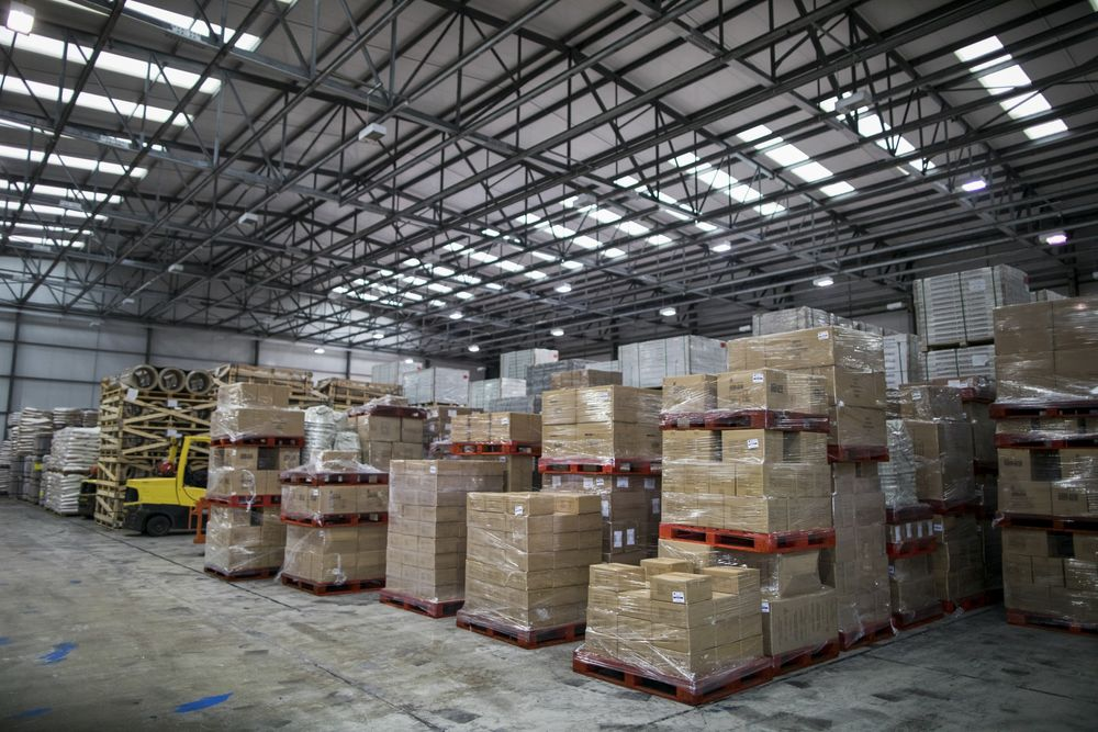 Brexit Threat Triggers Last-Minute Dash for Warehouse Space - Bloomberg