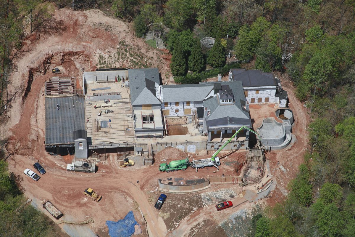 This $14 Million Atlanta Home With Bunker Is 'Safest in ... - photo#49