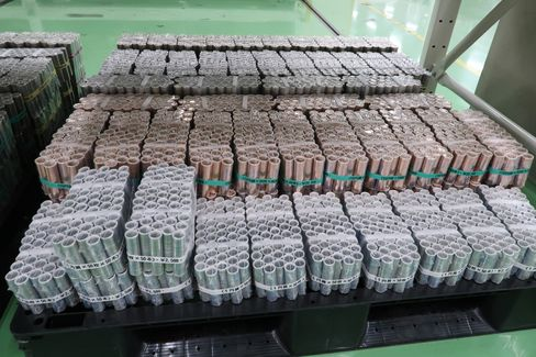 ある警備輸送会社の現金センターに積まれた棒金