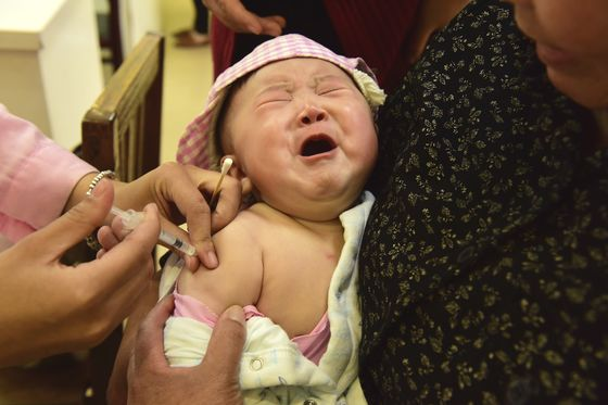 Chinese Parents Panic Over Infant Vaccine Safety