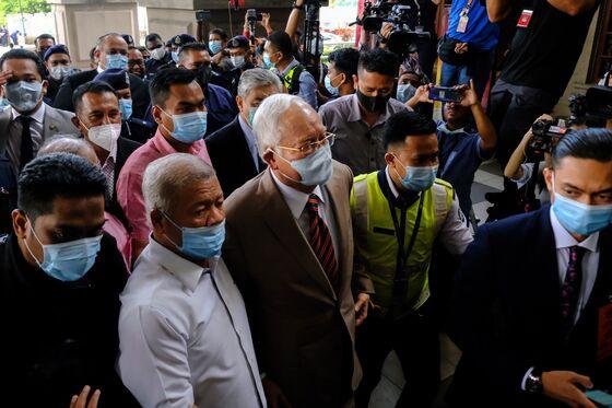 Najib Conviction Bolsters Malaysia Leader's Hopes to Stay On