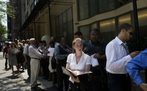 Jobless Claims in U.S. Rise as Auto Plant Layoff Effects Ease