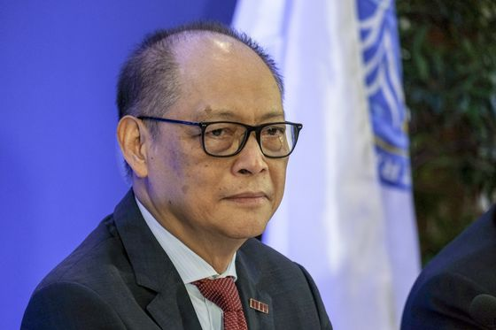 Philippine Central Bank Faces Pressure to Cut Reserve Ratio
