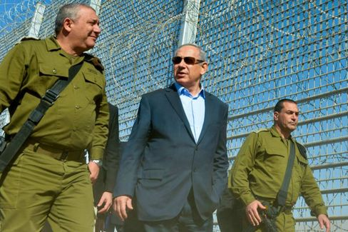 Netanyahu tours Israel Jordan fence.