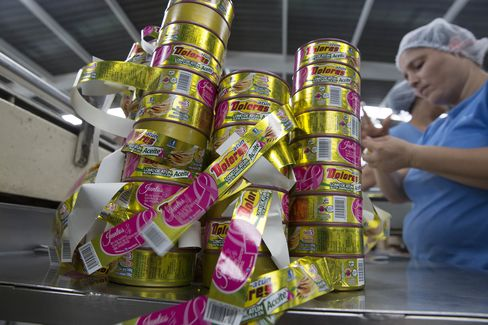 Tuna Processing At The Grupo Pinsa SA Plant As U.S. Awaits WTO Ruling On Mexico Exports