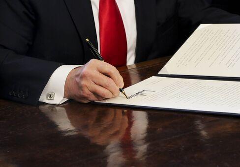 1486339601_donald trump executive order