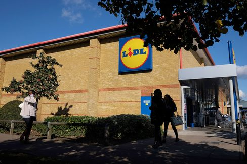 Discount Grocers Aldi And Lidl As U.K.'s
