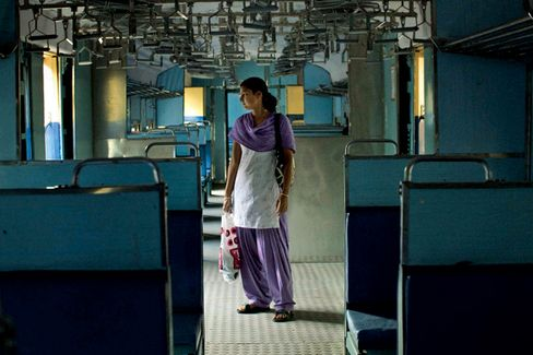 India's Economy Lags as Its Women Lack Opportunity