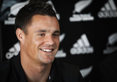 Carter Stays With New Zealand Rugby