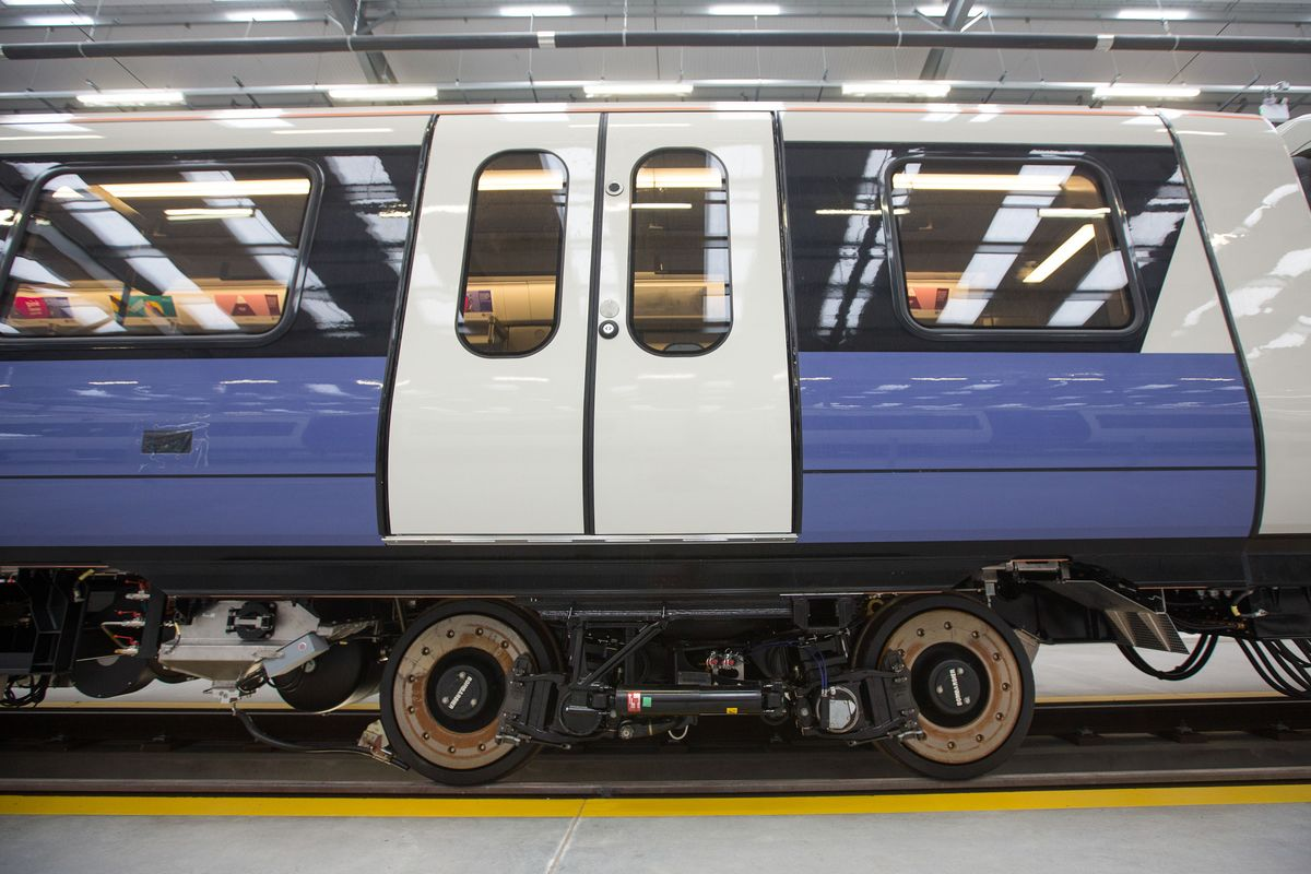 Bombardier Bonds, Shares Rise as Rail Sale to Alstom Is Signed