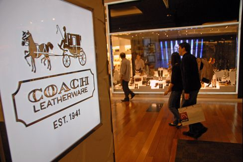 Coach Profit Trails Estimates Amid Lower Demand in North America