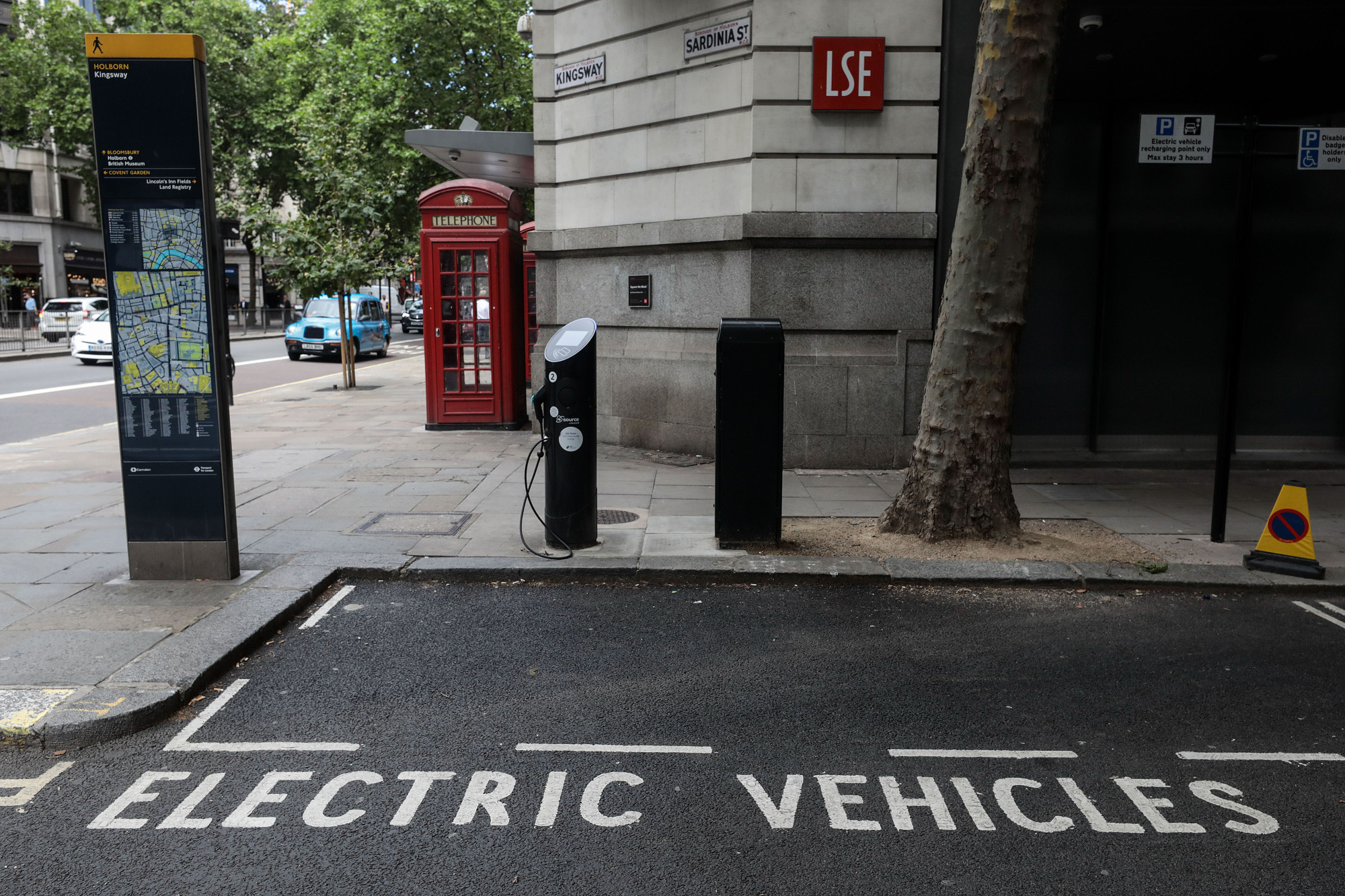 Electric Cars Could Switch On the U K 's Tuned Out Power