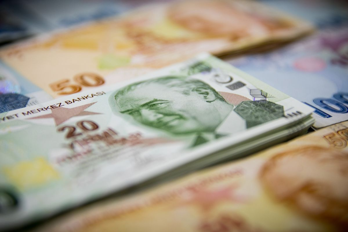 Surging Turkish Money Supply Revives Fear of Inflation Spurt
