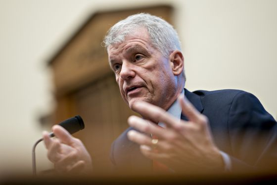 Wells Fargo CEO Stumble Puts Bank in Familiar State of Disarray