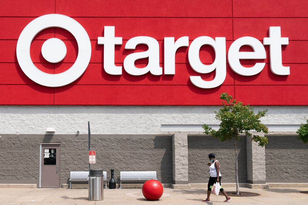 Target (TGT) Stock Rises on Record Sales Growth, Rising Store Visits -  Bloomberg