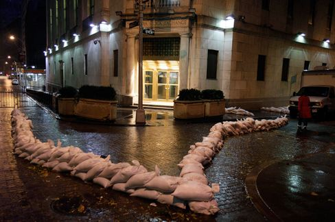 All U.S. Stock Trading Canceled as New York Braces for Storm