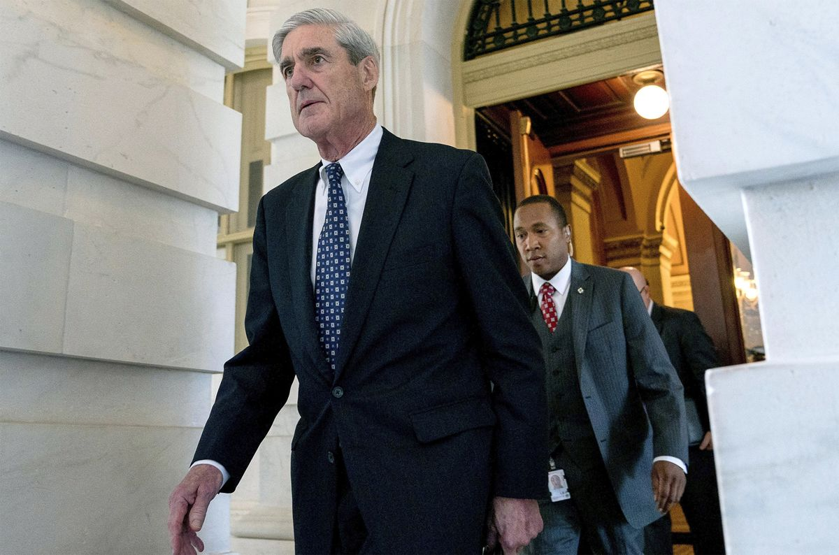 Mueller Said to Weigh Putting Off Trump Obstruction Decision