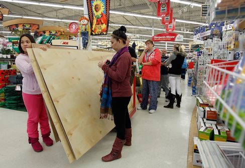Hurricane Sandy Threatens November Retail Sales as Stores Close