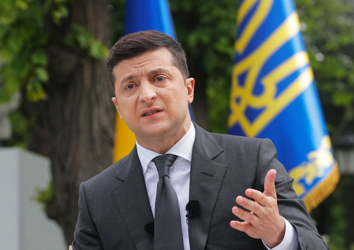 Ukrainian Leader Stages Referendum Show in Late Appeal to Voters