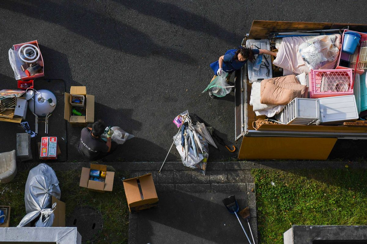 Japan's Lonely Death Industry - Bloomberg