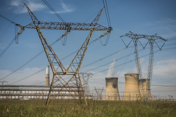 Eskom's Looming `Death Spiral' Menaces South African Economy