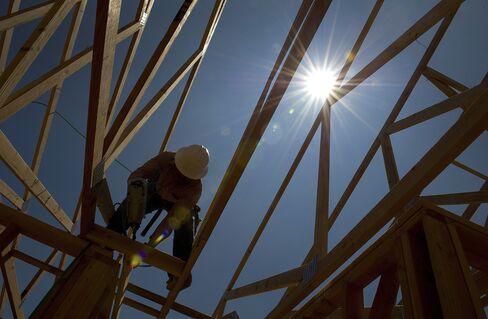Lennar Earnings More Than Quadruple on Demand for New Houses