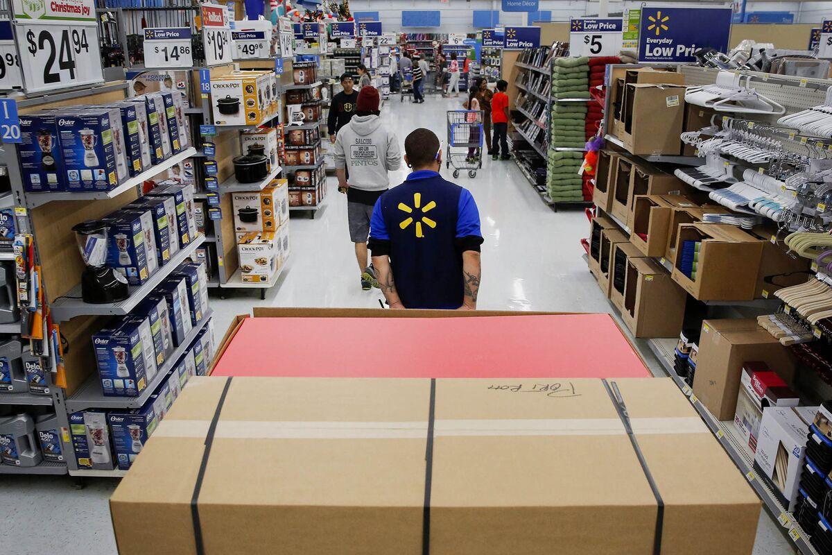 Looking for Seasonal Work at Wal-Mart This Holiday? Keep Looking