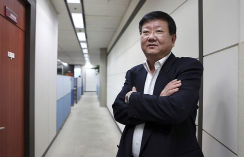 Eugene Investment & Futures Managing Director Choi Se Woong