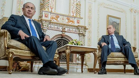 Benjamin Netanyahu Visits Vladimir Putin