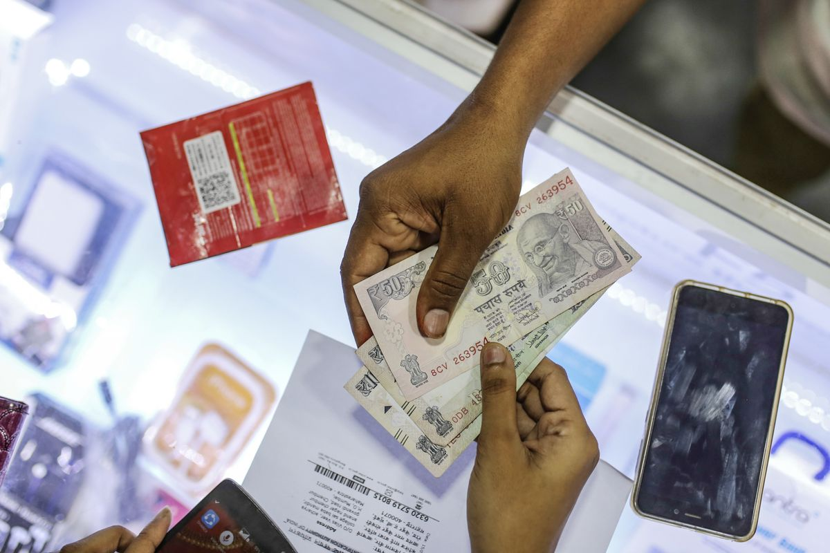 Sources: four consortia, comprised of companies like Reliance, Paytm, Amazon, Facebook, Google, and Visa, are preparing bids to operate India's digital payments (Saritha Rai/Bloomberg)