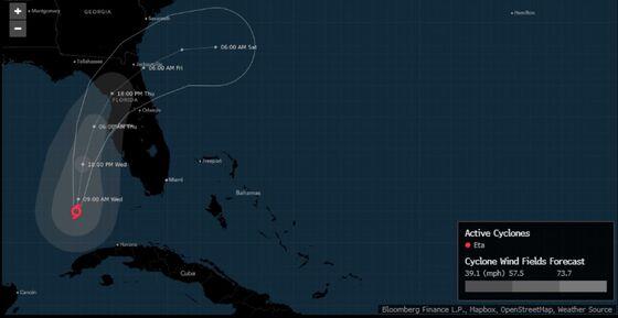 Eta Weakens to Tropical Storm as It Zeroes in on Florida