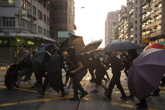 Hong Kong Is Sinking Into a Recession With No Recovery in Sight