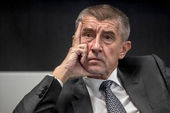 Czech Billionaire's Ruling Plan Shows Cracks Over Cabinet Lineup