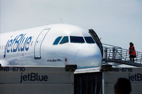 Why JetBlue Is Loving the Single Life