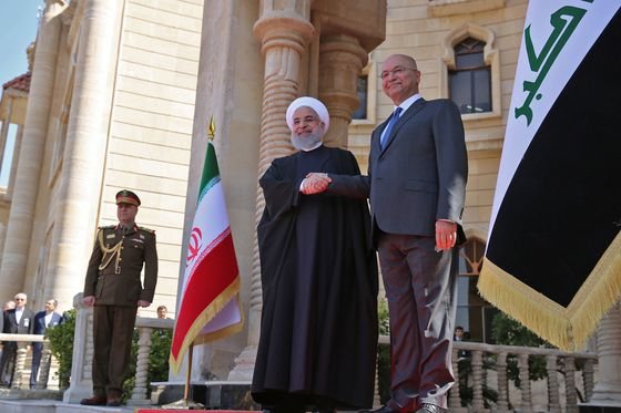 Iraq and Iran Build Economic Ties With the U.S. on the Sidelines