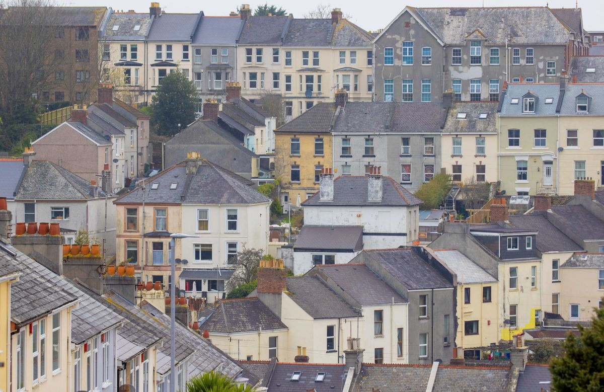 U.K. House Prices Hit a Record in Buying Frenzy, Rightmove Says