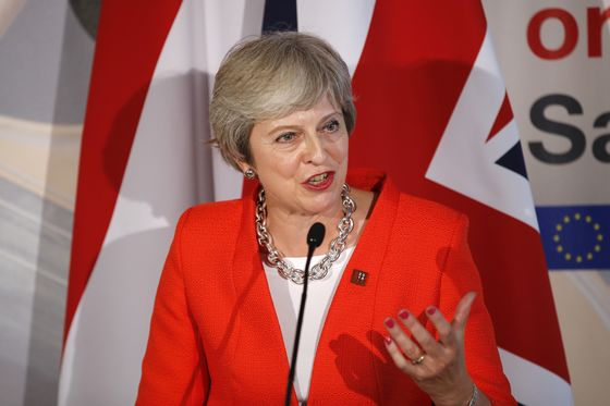 U.K.'s May Promises New Brexit Offer After Bruising EU Summit