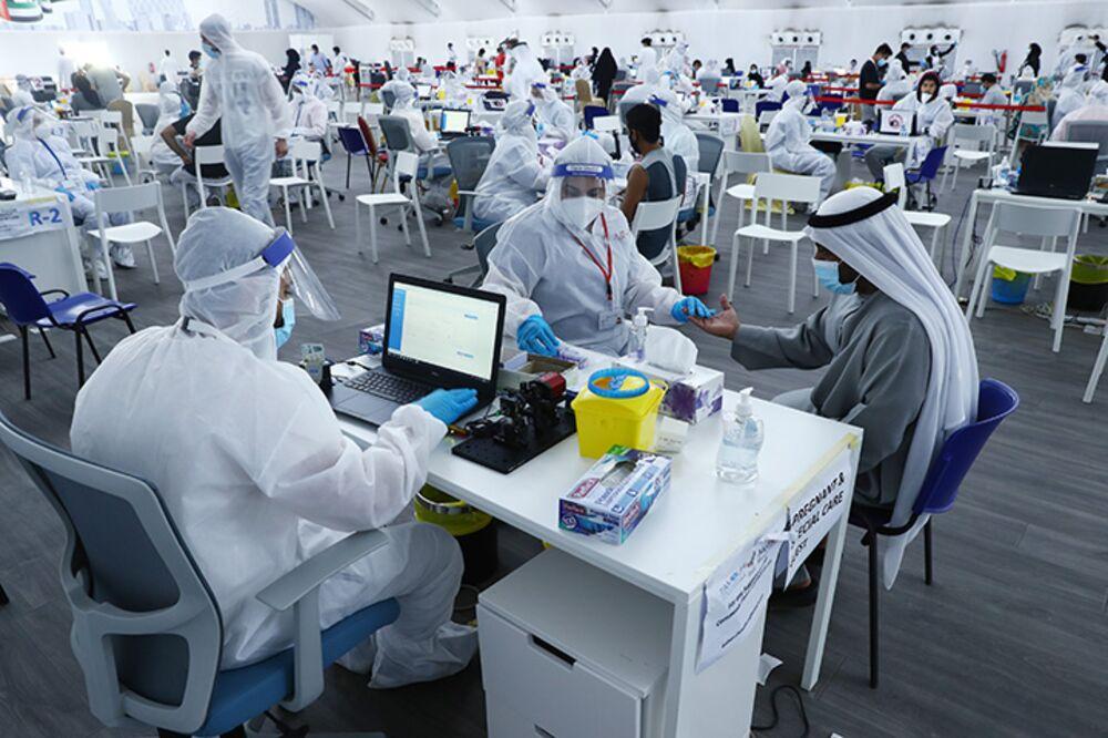 UAE Reports 'Limited' Cases of New Coronavirus Strain - Bloomberg