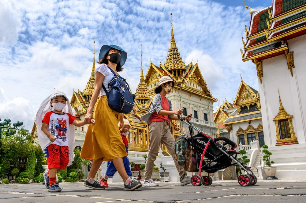 Thailand Aims to Turn Away From Mass Tourism, Target the Wealthy - Bloomberg