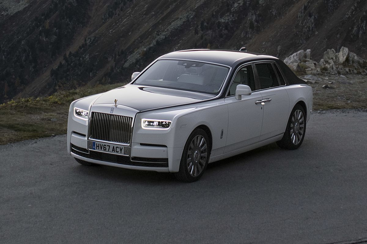 Driving the New RollsRoyce Phantom Is an Exercise in Serious