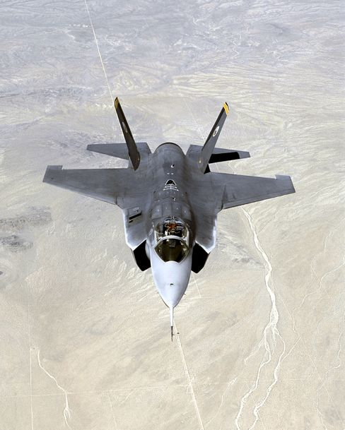 U.K. Said to Cut F-35s on One Carrier