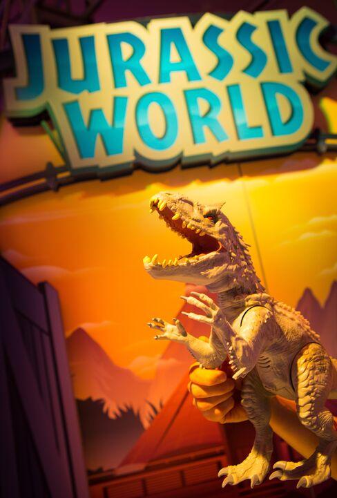 Jurassic World's Indominus Rex by Hasbro