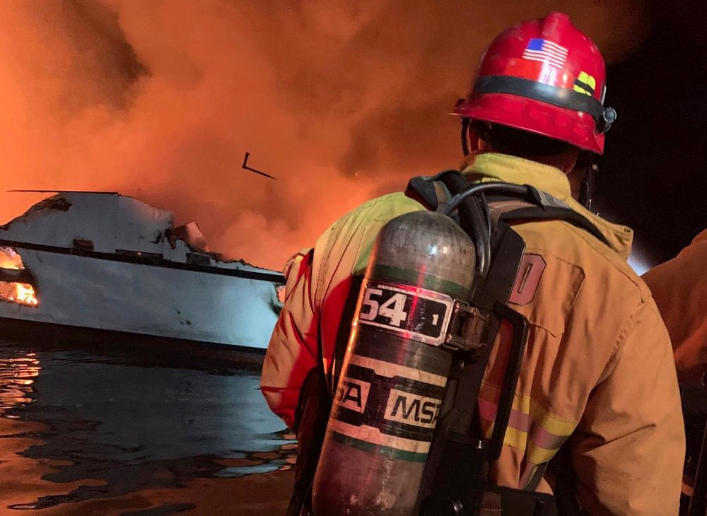4 People Dead, 29 Missing in California Boat Fire - Bloomberg