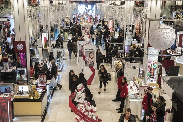 Is Macy's closing in the Staten Island Mall?