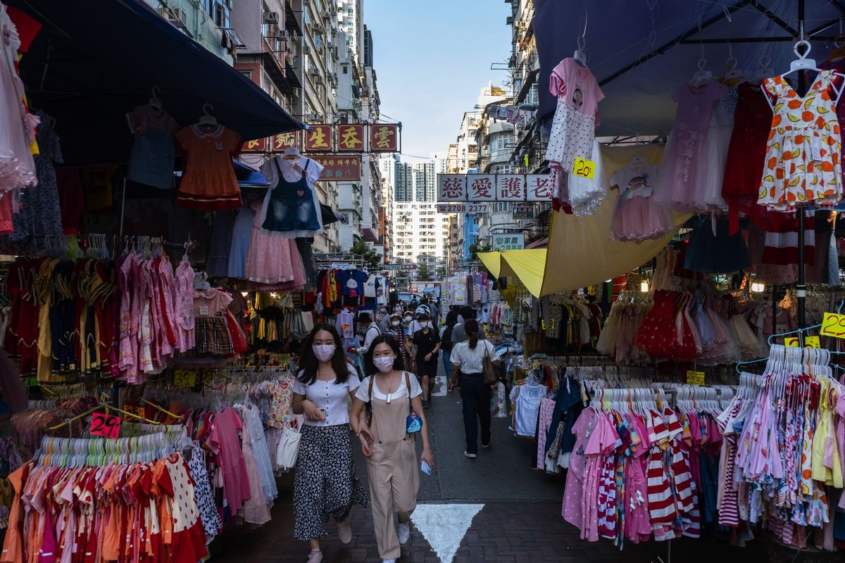 Hong Kong Consumer Prices in Worst Deflation Run Since 2009