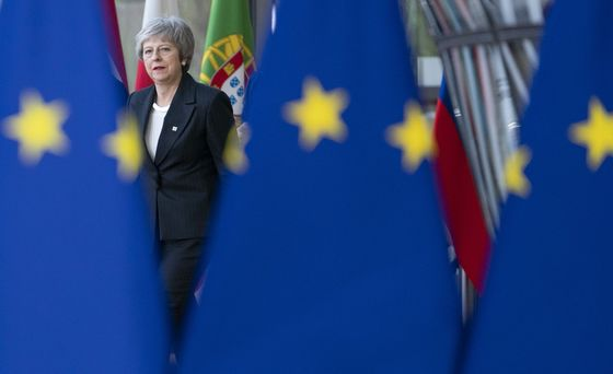 EU to ConsiderLegal Lifeline to Help May Sell Her Brexit Deal